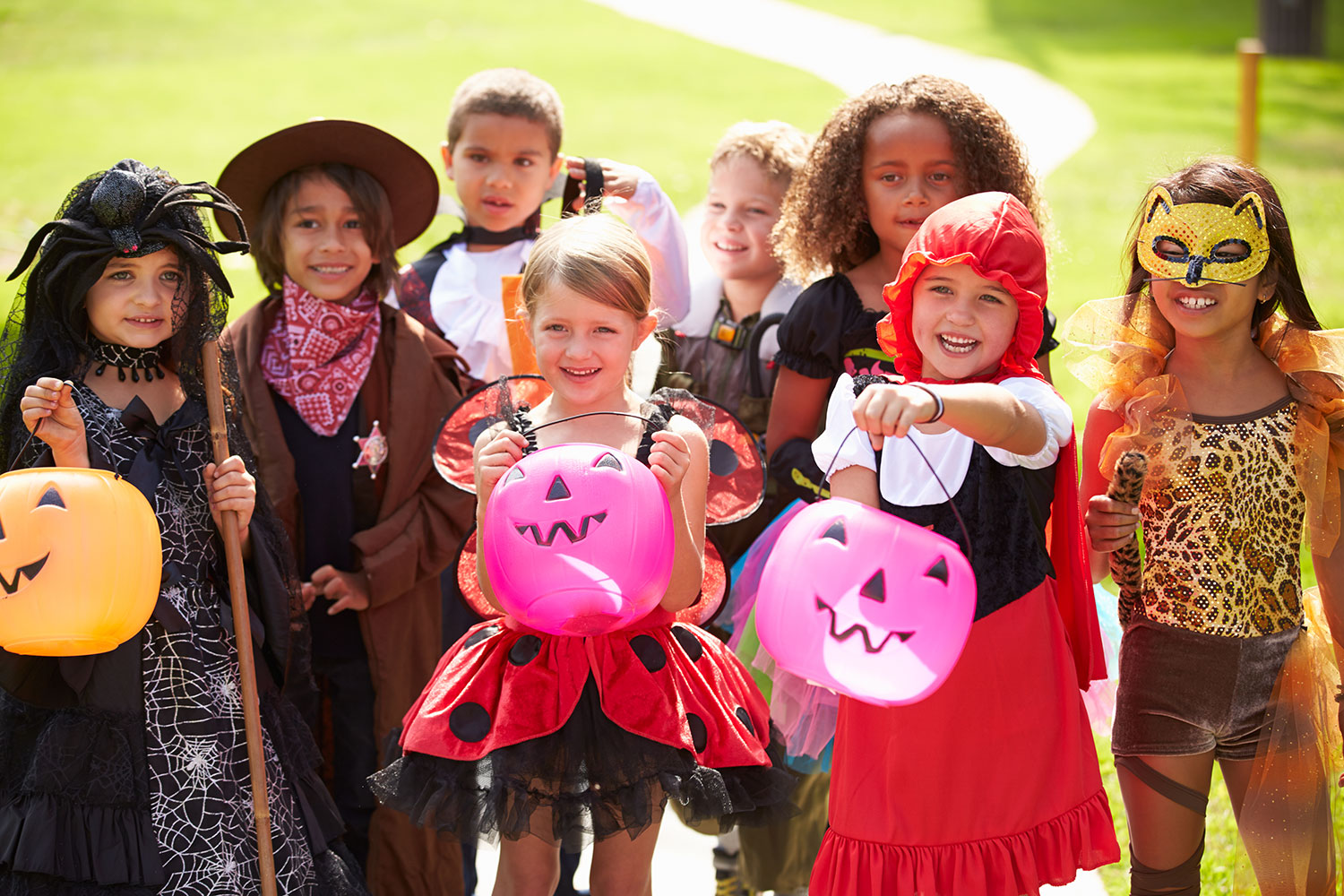 10 Easy Things You Can Do to Keep Kids Safe on Halloween